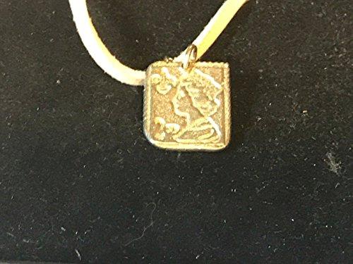 2. Klasse Stempel tg136aus englischen Zinn auf 45,7cm weiß Kordel Halskette geschrieben von uns Geschenke für alle 2016von Derbyshire UK