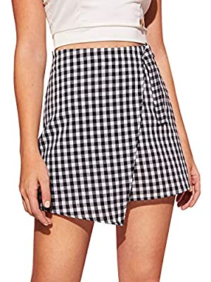 WDIRARA Women's Plaid Mid Waist Asymmetrical Hem Above Knee Elegant Short Skirt