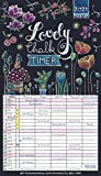 Lovely Chalk Timer 2021: Familienplaner mit 5 breiten Spalten. Typo-Art Familienkalender mit Ferienterminen, Zusatzspalte, Vorschau bis März 2022 und vielem mehr.