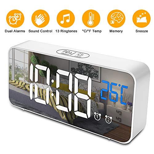Digitaler Wecker, opamoo LED Digital Wecker Sprachsteuerung Funktion 13 Weckerlieder 4 Helligkeit Alarm wecker USB-Ladeanschluss Spiegel Tischuhr mit Snooze,12/24 Stunden, ,Temperatur Anzeige
