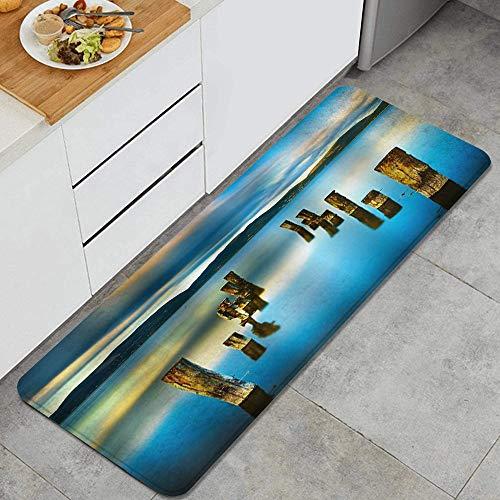 ZORMIEY Alfombras Cocina Antideslizante Alfombra de Baño 45x120cm,Vista del Atardecer del Paisaje del Lago Solitario Paseo marítimo de Madera Rota en el Lago Azul y Cielo Nublado Agua de reflexión