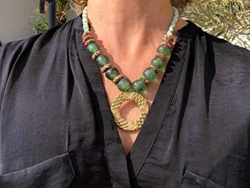 Ethnos Barcelona - Collar con colgante de metal dorado y cuentas de vidrio color verde agua y millefiori. largo: 48cms