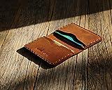 Marrone scuro portafoglio in pelle. Porta Carte di credito, contanti o carta d'identità. Tasca Unisex in stile rustico. Custodie per tessere.