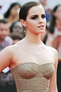 Emma Watson Striking In Off Shoulder Green Dress 11x17 Mini Poster