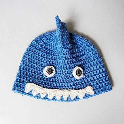 Cappellino squalo da bambino/a in lana merino fatto a mano all'uncinetto con filati pregiati. Taglia 4-8 anni