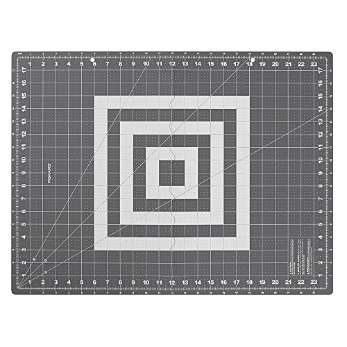 Fiskars Crafts 183900-1001 Folding Cutting Mat, 18 x 24, Grey