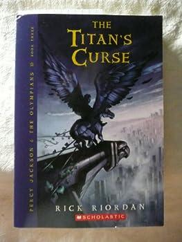 Paperback The Titan's Curse (Percy Jackson Book