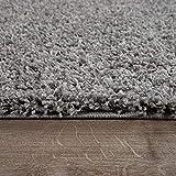 Alfombra shaggy de pelo alto y largo gran espesor del hilo en gris brillante liso, tamaño:140x200 cm