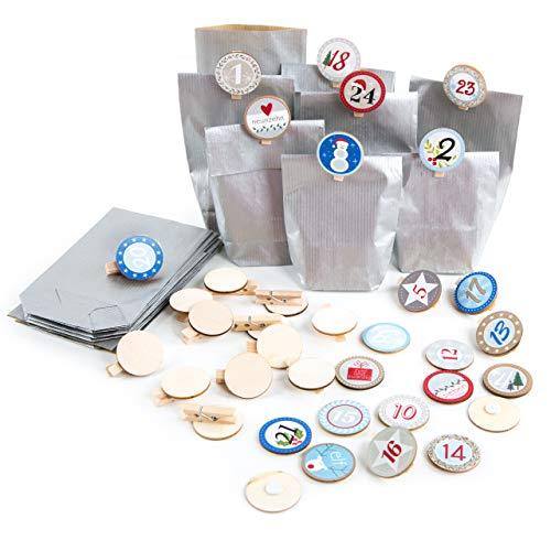 Logbuch-Verlag DIY Adventskalender Set 24 Papiertüten Silber + Holz Zahlen 1-24 blau bunt + Holzklammern Natur z. Tüten verschließen Weihnachtskalender selber basteln