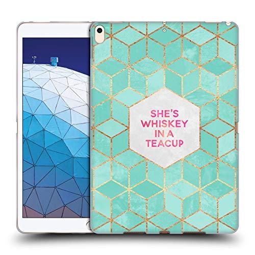 Officiële Elisabeth Fredriksson Ze is whisky in een theekopje Typografie Soft Gel Case Compatibel voor Apple iPad Air (2019)