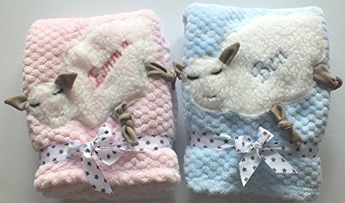 Kuschlige Unisex Babydecke Decke mit Schaf und Namen bestickt 75 x 100 cm (blau)