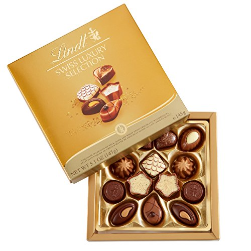 Lindt Swiss Luxury Selection Boxed Chocolate, Gift Box, Great for Holiday Gifting, 5.1 Ounce by Lindt Chocolate