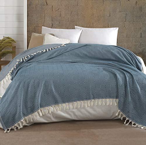 Belle Living Hitit Tagesdecke Überwurf Decke - Wohndecke hochwertig - ideal für Bett und Sofa, 100% Baumwolle - handgefertigte Fransen, 200x250cm (Lagune)