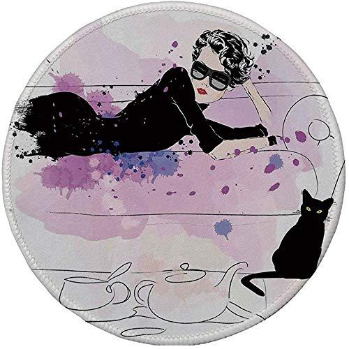 Rubber ronde muismat, Fashion House Decor, Meisje met zonnebril Liggend op de bank kat elegantie in huis thema met vlekken, zwart