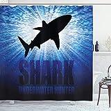 ABAKUHAUS Hai Duschvorhang, Unterwasserjäger Gefahr, mit 12 Ringe Set Wasserdicht Stielvoll Modern Farbfest & Schimmel Resistent, 175x240 cm, Königsblau Schwarz