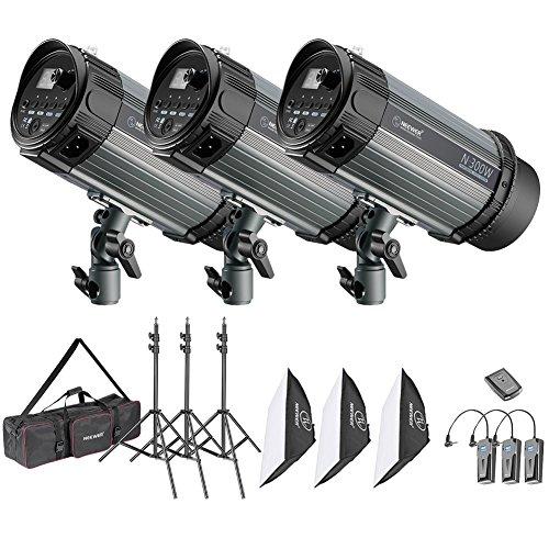 Neewer Strobo Flash 900W da Studio Fotografico: (3) 300W Monoluce, (3) Stativo, (3) Softbox, (1) RT-16 Wireless Trigger & (1) Borsa di Trasporto, per Video Fotografia in Esterni & Ritratti (N-300W)