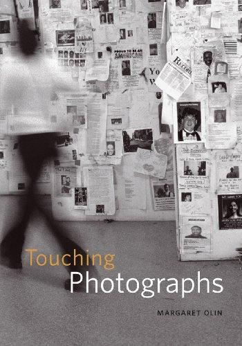 『Touching Photographs』のトップ画像