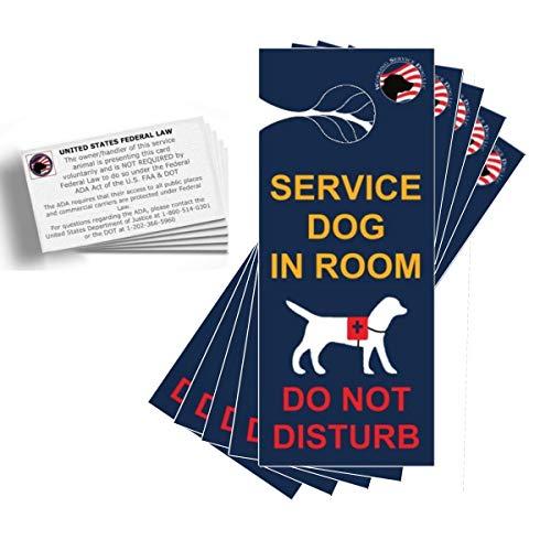 O kit de viagem para cães de serviço oficial WorkINGSERVICEDOG.COM inclui cão de serviço no quarto – não perturbe – cabides de porta (pacote com 5) e cartões informativos ADA/FAA (pacote com 5)