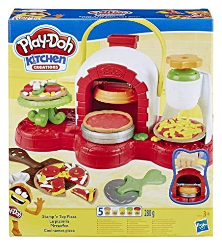 Crea e servi la pizza con Play-Doh Playset che ti permette di essere un ottimo pizzaiolo Strampalata grattugia per il formaggio Condisci la pizza con gli ingredienti 5 vasetti di Play-Doh e 6 accessori
