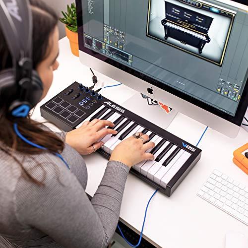 Alesis V25 - Teclado controlador USB-MIDI portátil de 25 teclas con 8 pads sensibles retroiluminadas, 4 codificadores asignables y un paquete de software profesional con ProTools | First incluido