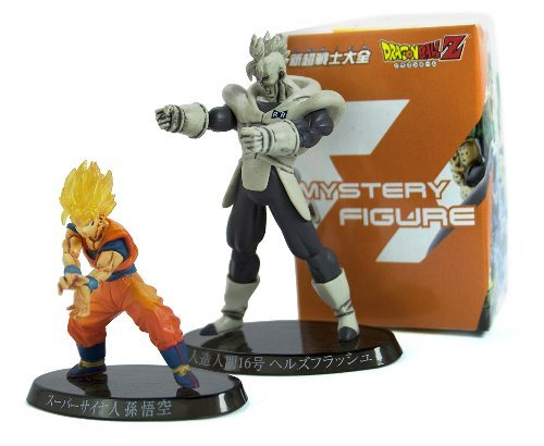 "Dragon Ball Z Ultimate Figure Series : Figure #1 - ~2"" Super Saiyan Goku / ~3"" Black and White Android 16 and Mystery Figure"
