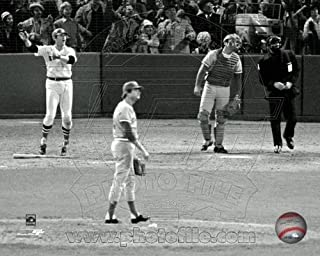 Carlton Fisk Boston Red Sox Game 6 Home Run 1975 World Series 8x10 Photo