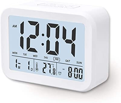Despertador Digital Electrónico, Arespark Reloj Despertador con Luz de Noche, Alarma Clock con Fecha Temperatura, Sensor de Luz, Función Snooze y Transmisión de Voz, Blanco
