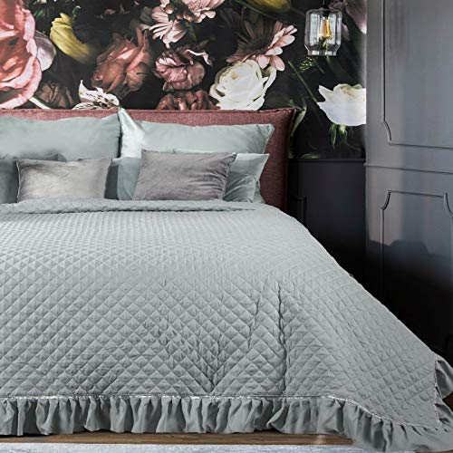 Eurofirany Romantische Tagesdecke, Steppdecke, Bettüberwurf Muster Felicia, Überdecke mit Silberne Borte, Rhombus Steppung, Rüsche. (Silber, 170 x 210 cm)