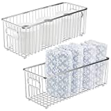 mDesign Juego de 2 cestas de metal con asas integradas – Cesto de alambre profundo con atractivo diseño de rejilla – Organizador de cosméticos para el baño – plateado