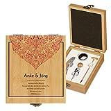 Murrano Weinöffner-Set personalisiert Weinset Sommelier Set - Geschenkbox Holzbox + 4er Weinzubehörset - aus Bambus - Braun - Geschenk Hochzeit Hochzeitstag Paar - Zierlich