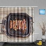 Cortina de ducha decorativa Filete de solomillo de ternera a la parrilla en una sartén caliente sobre una tabla de madera vieja y Vintage TaBle Graphic Cortinas de baño Tela impermeable Juego de decor
