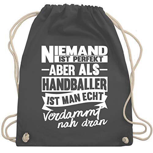 Handball - Niemand ist perfekt aber als Handballer ist man echt verdammt nah dran - Unisize - Dunkelgrau - handball sporttasche - WM110 - Turnbeutel und Stoffbeutel aus Baumwolle