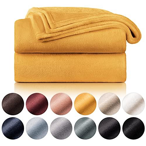 Blumtal Flauschige Kuscheldecke – hochwertige Wohndecke, super weiche Fleecedecke als Sofaüberwurf, Tagesdecke oder Wohnzimmerdecke, 270 x 230 cm, Sonnenblumengelb