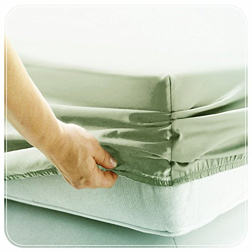 JUWENIN,Fitted Sheet Microfiber, Brushed Finish, Wrinkle, Fade, Stain Resistant, One Fitted Bed Sheet (Queen, Sage Green)