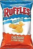 Ruffles Cheddar & Sour Cream - Patatas fritas con sabor a patata, tamaño de fiesta (13 onzas)
