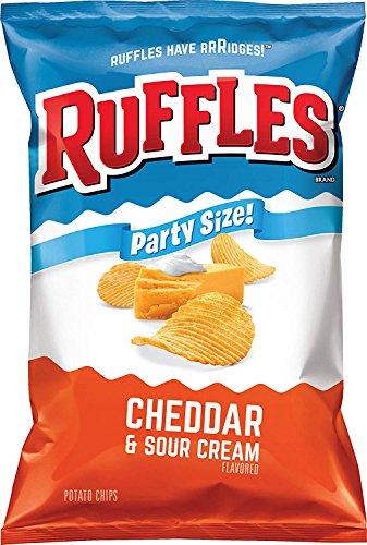 Ruffles Cheddar & Sour Cream Patatas fritas, tamaño de fiesta (13 onzas)