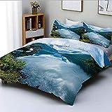 Juego de Funda nórdica, fotografía de paisajes con cabañas de Madera Clear River and Mountains Norway Europe Juego de Cama Decorativo de 3 Piezas con 2 Fundas de Almohada, Azul Verde