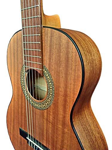 MARCE LUCÍA -Guitarra Clasica española de estudio + Funda (caja armónica y cuerpo de madera de Sapelly, un perfíl en negro, diapasón de Nogal americano.Tamaño adulto)