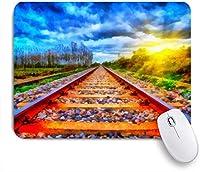 NIESIKKLAマウスパッド 観光レールは自然林の鉄道シーズンの太陽光線オイルの性質を構成します ゲーミング オフィス最適 高級感 おしゃれ 防水 耐久性が良い 滑り止めゴム底 ゲーミングなど適用 用ノートブックコンピュータマウスマット