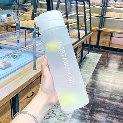 Yuzhijie Botella de agua deportiva de plástico de 800 ml de gran capacidad para exteriores, taza de agua mate, para hombres, mujeres y niños, para estudiantes (capacidad: 800 ml, color: blanco)