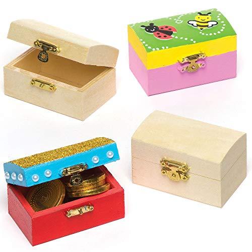 Baker Ross Cofres del Tesoro en Miniatura de Madera para Diseñar Pintar y Decorar. Manualidades Creativas para Niños Perfectas para Fiestas Infantiles (Pack de 4)