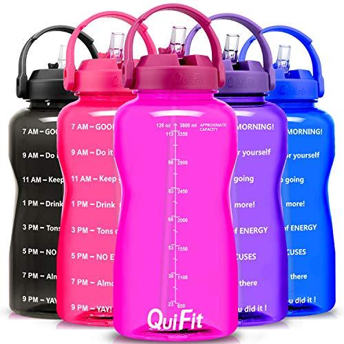 QuiFit - Botella de agua libre de BPA, 3,8 L/2 L, con diseño de animación para beber con empuñadura, botella grande XL Fitness Gym deporte plástico botella, color fucsia, tamaño 3.8 L
