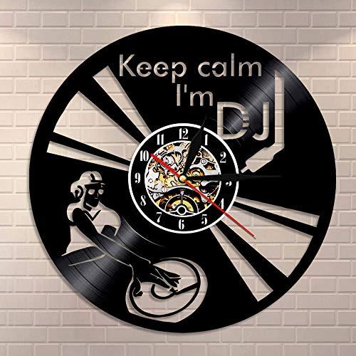 GVC Lustiges Sprichwort Bleib ruhig Ich Bin DJ Wall Art Wanduhr DJ Mixer Spinning Vinyl Plattenspieler Plattenspieler Hip Hop Vinyl Plattenuhr