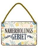 Naherholungsgebiet Blechschild - Metallschild mit Kordel und Saugnapf - Retro Deko Hängeschild - Dekoration für Balkon Terrasse Beach Bar Garten Loggia Lieblingsplatz Schrebergarten - 18x12cm