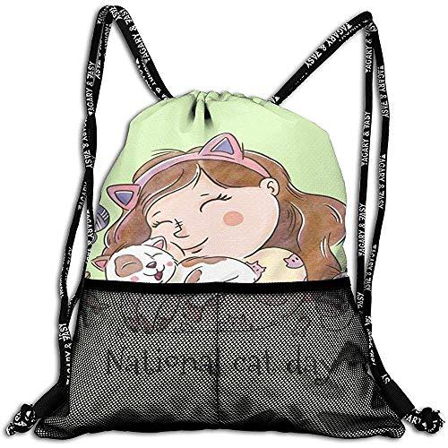 Not applicable Nettes Mädchen, das eine Katzen-personalisierte Zugschnur-Rucksack-Maschen-Tasche Unisex für Reise-Eignung umarmend lächelt