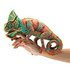 Easily animate the antics of this engaging small Chameleon hand puppet Ideal for stage and puppet theater, storytelling, teaching, daycare, Pre-School, pretend play, role-playing, presentations, games, Collectibles, parties and gifts Your hand contro...