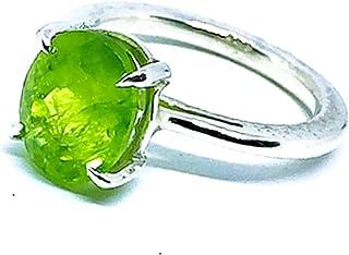 Bellissimo anello con spettacolare peridoto verde pappagallo naturale di 5,32 carati di misure (11,01 mm x 9,07 mm). Anello.