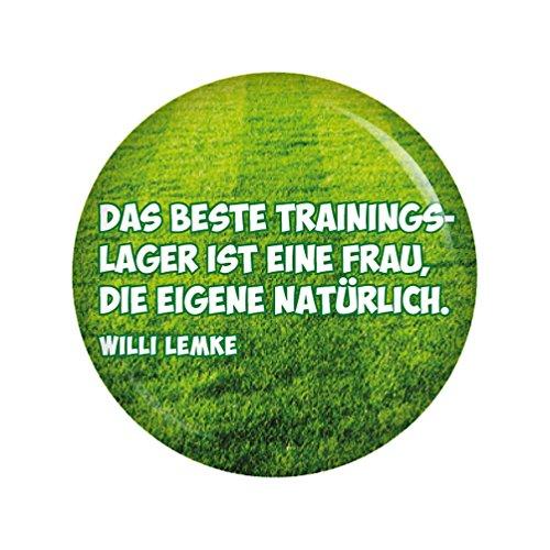 Kiwikatze® Sport - Fußballerzitate - Das beste Trainingslager ist eine Frau, die eigene natürlich. 37mm Button Pin Fussball Weltmeisterschaft Bundesliga EM WM