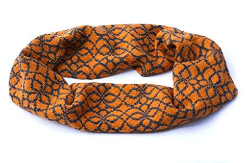 Orange und grauer Unendlichkeitsschal stricken Fair-Isle-Schal Wollschleifenschal Wollschal gestrickt warmer Herbstschal Schottischer Shetland-Wollschal