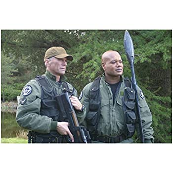 Christopher Judge 8 Inch x 10 Inch photo Stargate SG-1 Holding Staff Weapon Along Side of Richard Dean Anderson w/Gun Pose 1 kn